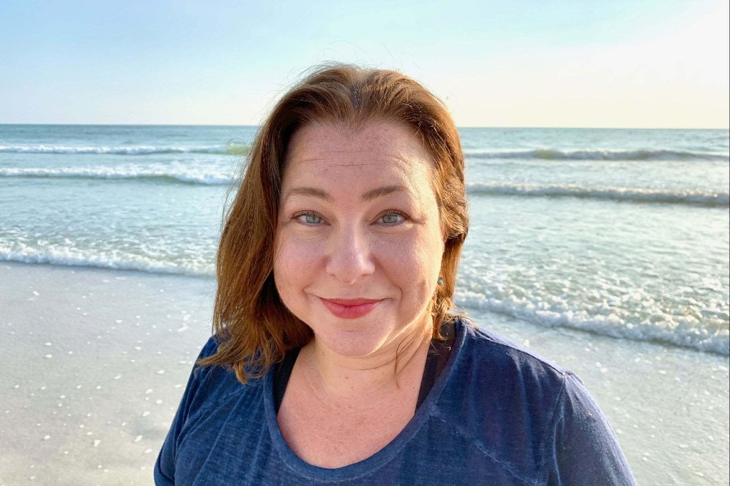 The 6-Figure Life Coach: Debbie Cherry of Practitioner Freedom