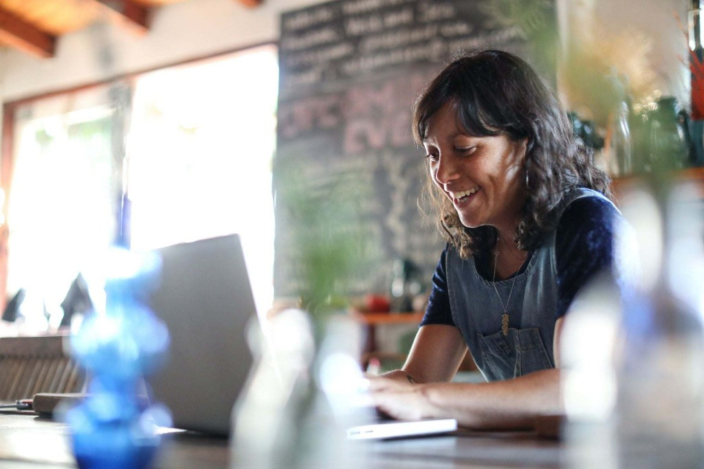 How to Effectively Start a Side Hustle While You Have a Full-Time Job