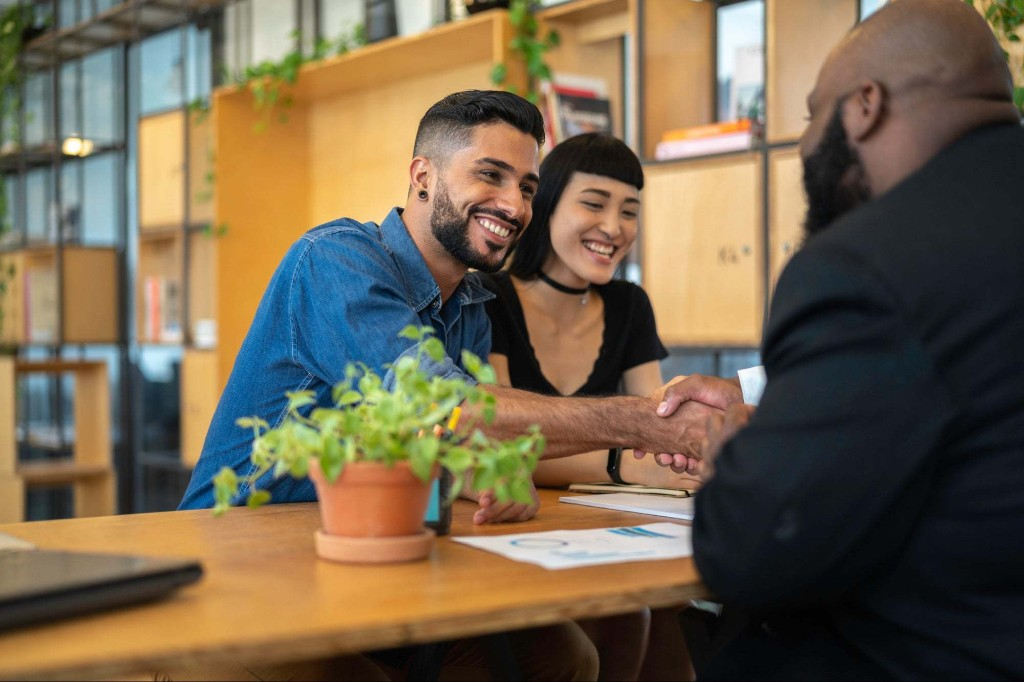 The Best Business Funding Options for Immigrant and Refugee Entrepreneurs