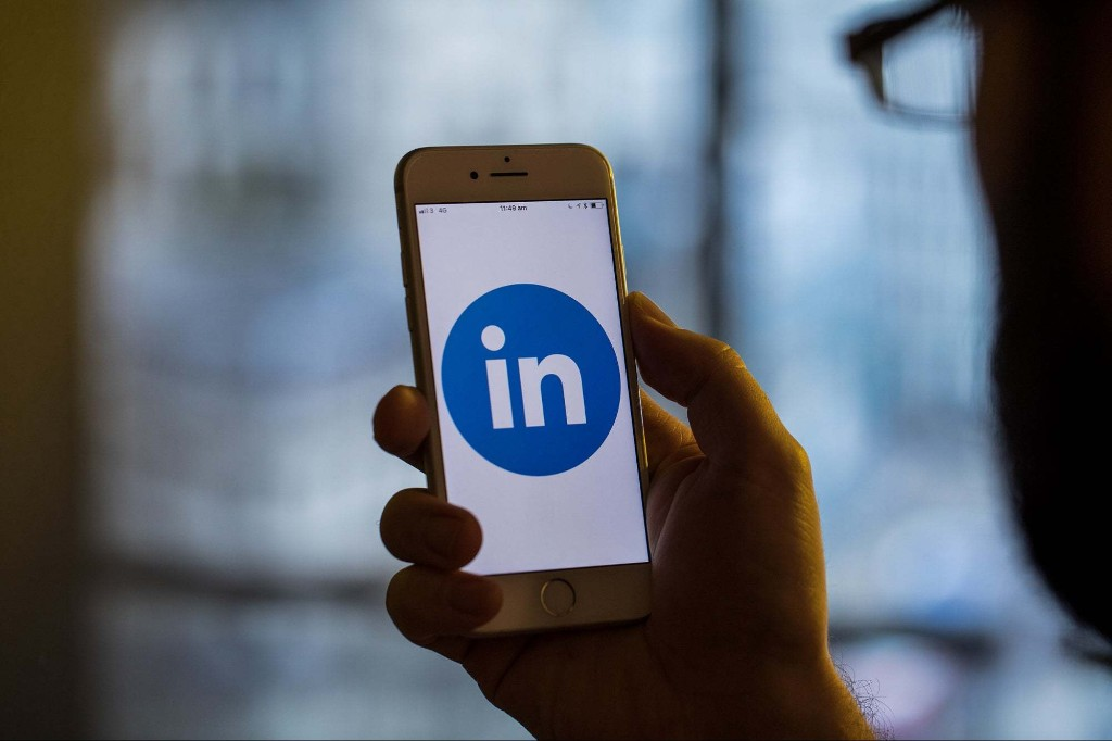 How to Leverage LinkedIn in 20 Minutes a Day