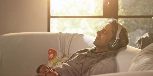 These 6 Types of Music Are Known to Dramatically Improve Productivity