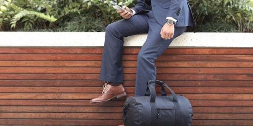 This Modern Duffel Bag Is a Must-Have for Business Travelers