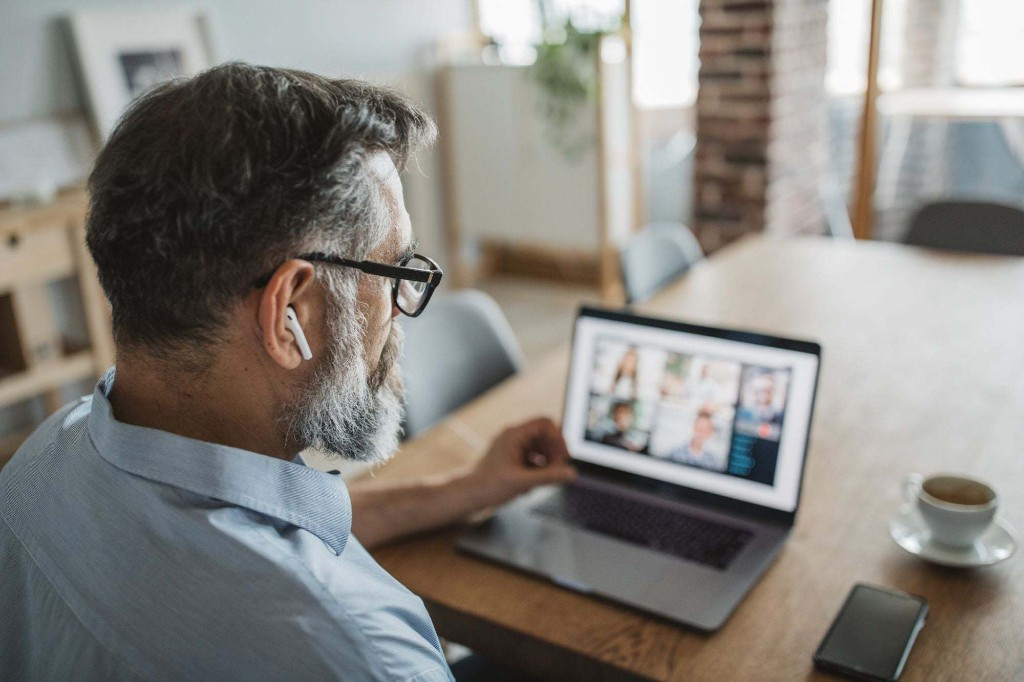 7 Mistakes Leaders Make When Managing a Remote Team
