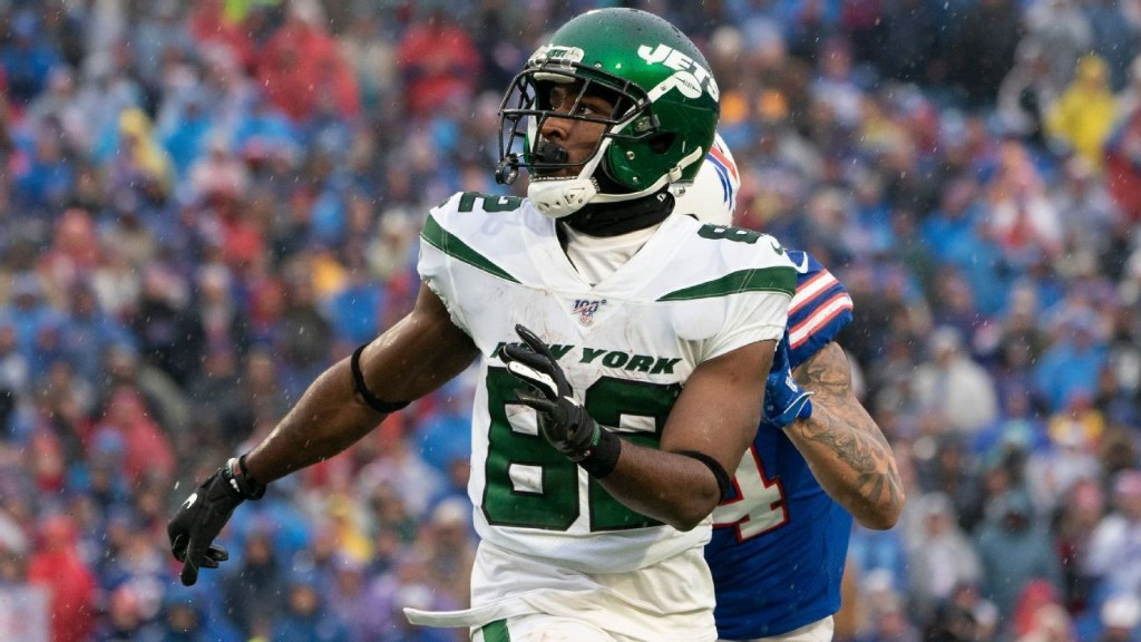 New York Jets without top receivers Jamison Crowder, Breshad Perriman vs. Kansas City Chiefs
