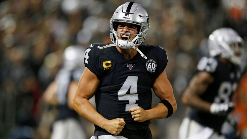 Without AB, Raiders' offense cruises in MNF win