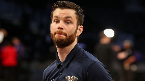Rockets ban fan charged with punching Pels asst.
