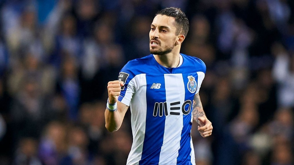 Transfer Talk: Manchester United lure Porto's Alex Telles to Old Trafford