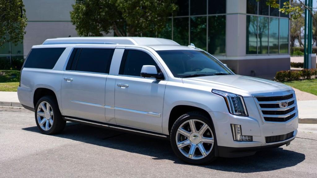 Tom Brady asking $300,000 for his customized Cadillac Escalade