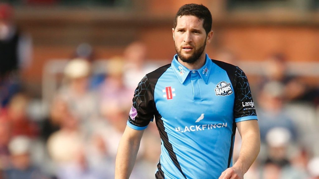 Wayne Parnell leaves Worcestershire as club target new spin signing