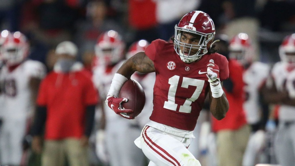 Alabama WR Jaylen Waddle ruled out vs. Tennessee with lower leg injury