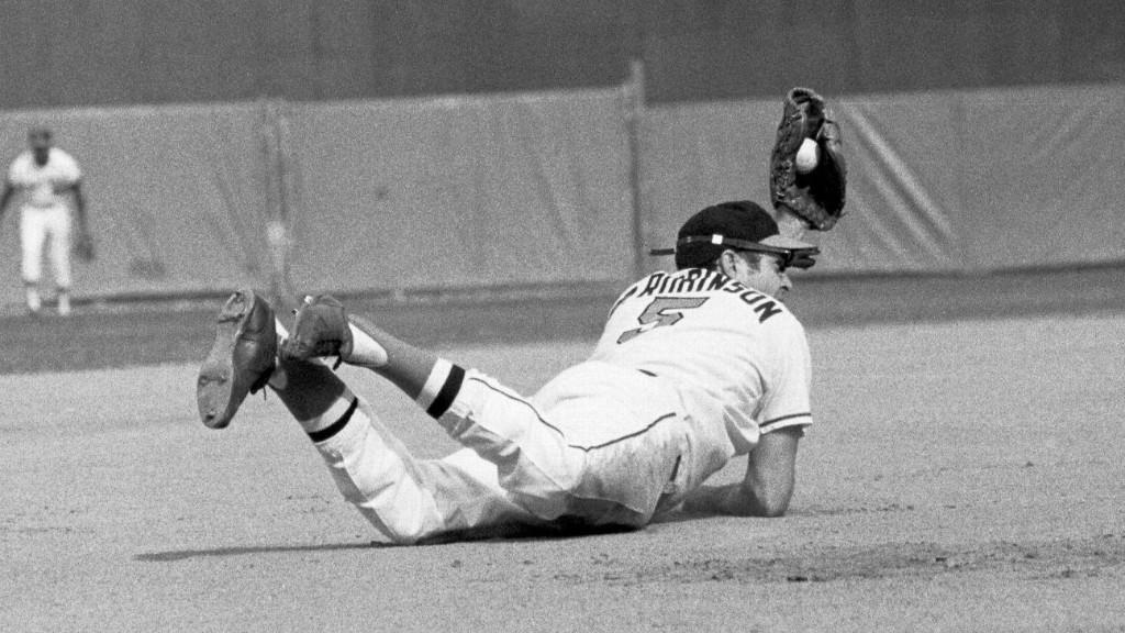 Tim Kurkjian's Baseball Fix: How Brooks Robinson earned the nickname 'Human Vacuum Cleaner'