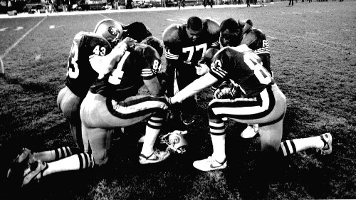 First NFL postgame prayer circle: 25 years later