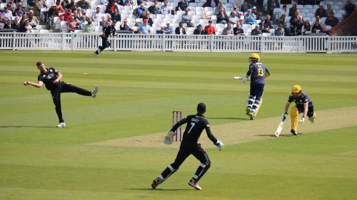 Liam Dawson serves reminder of under-stated qualities as Surrey are left with more regrets