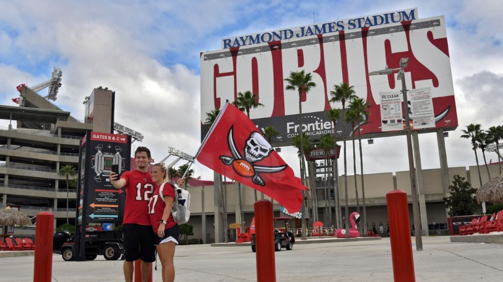 Bucs to allow some fans to attend Oct. 4 game