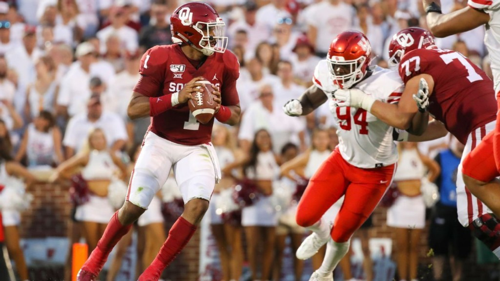 Hurts totals 6 TDs in record-setting Sooners debut