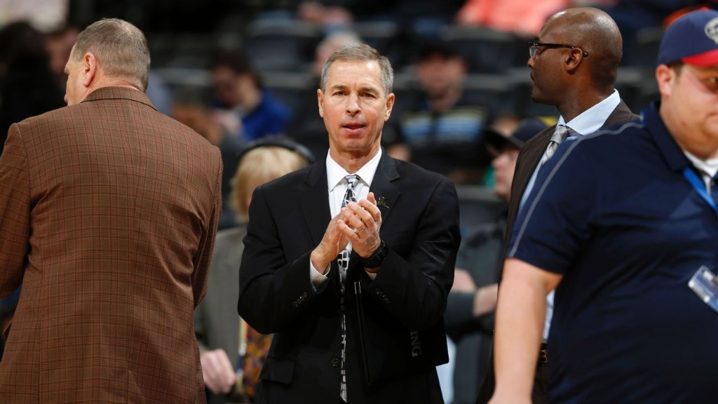 Pels' Bzdelik won't join team; no word on Gentry