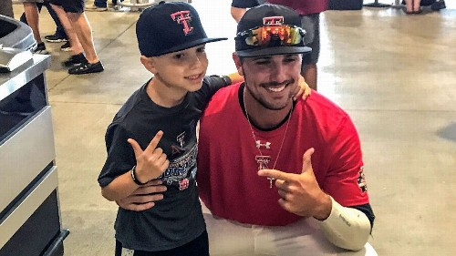 Texas Tech pitcher reaches out, meets fellow cancer fighter
