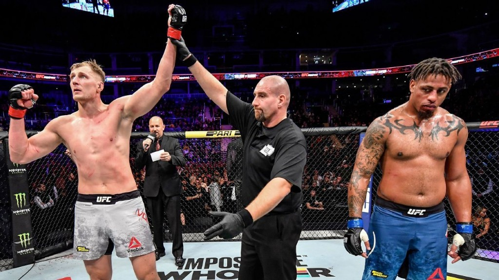 Volkov-Harris joining UFC 254 card, sources say