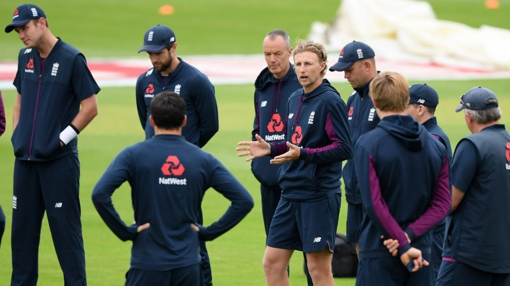 England's men accept 15% pay cuts in wake of ECB financial hit