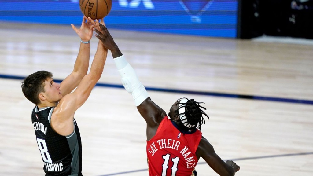 Sources: Milwaukee Bucks agree to deals for New Orleans Pelicans' Jrue Holiday, Sacramento Kings' Bogdan Bogdanovic
