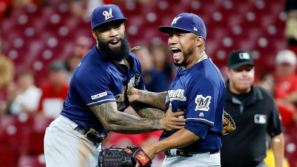 Brewers seal playoff spot, eliminating Cubs, Mets
