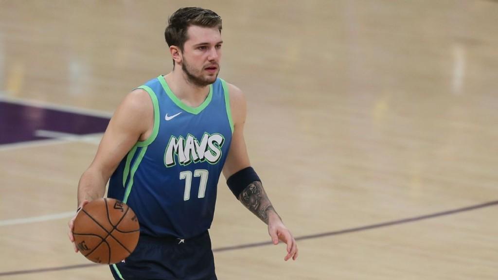 Luka Doncic steps back on LeBron James to highlight most impressive win yet for Mavs
