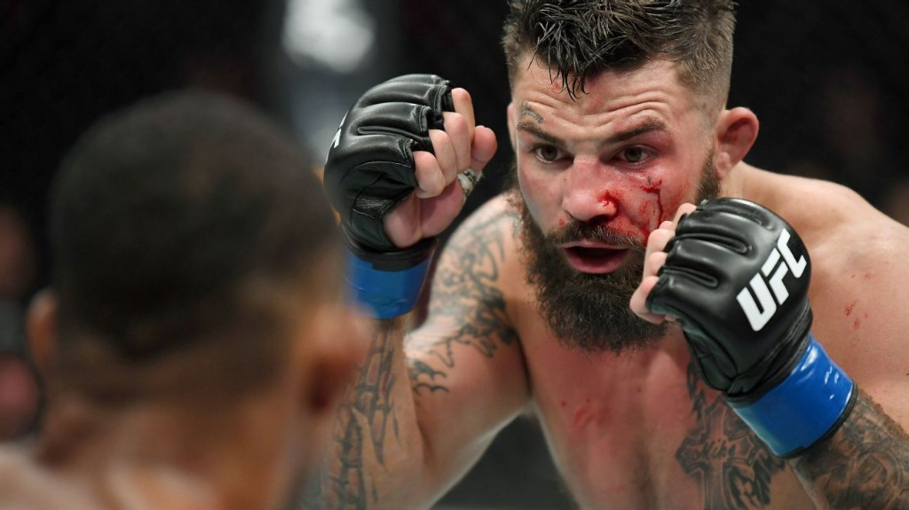 Video shows UFC welterweight Mike Perry hitting man, using racial slurs in Texas bar