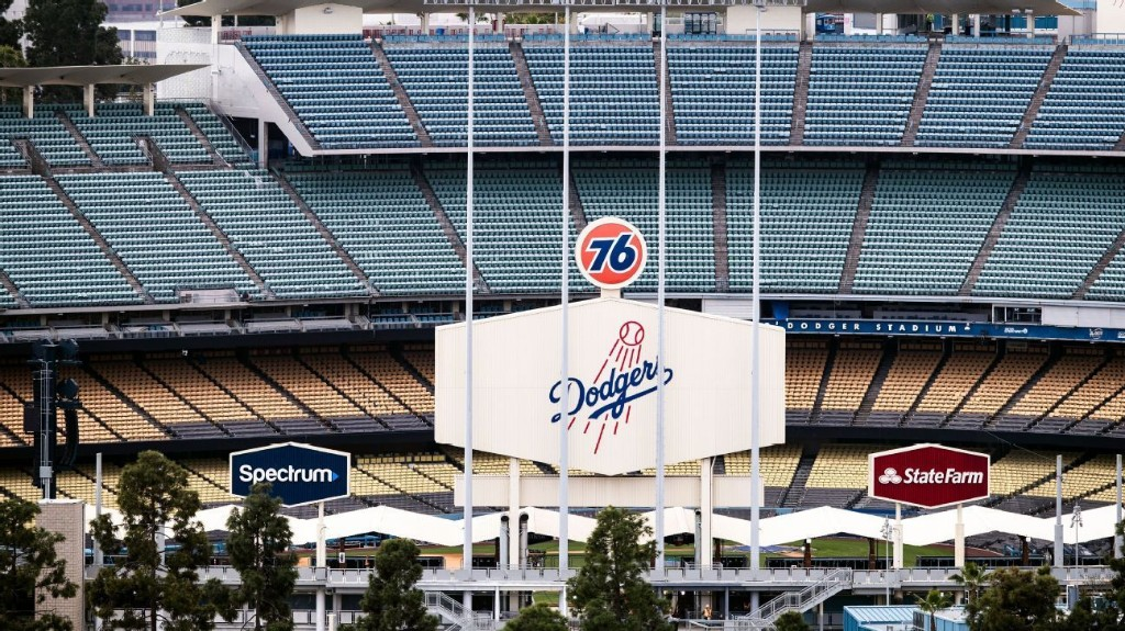 MLB players slam teams for 'depriving America'