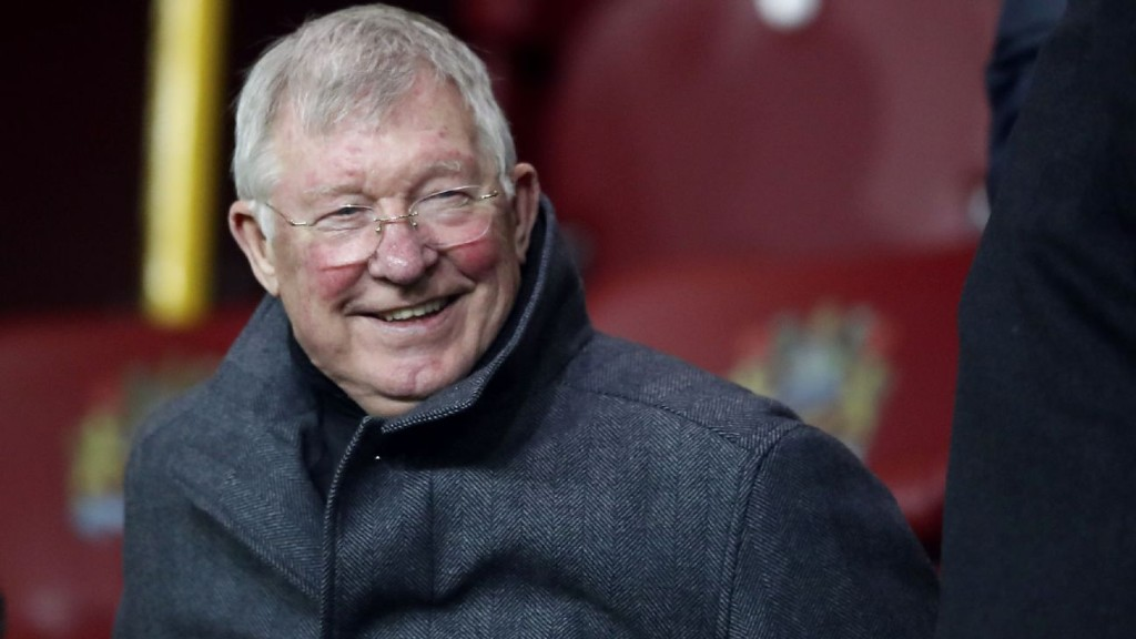 Sir Alex praises NHS as Utd offer up Old Trafford