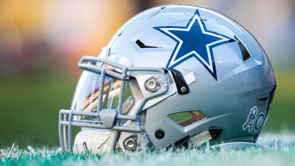 Dak to rookie DiNucci: 'Go out there and do you'