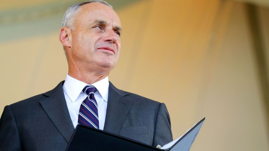 Olney: Manfred, Clark should be front and center during challenging times
