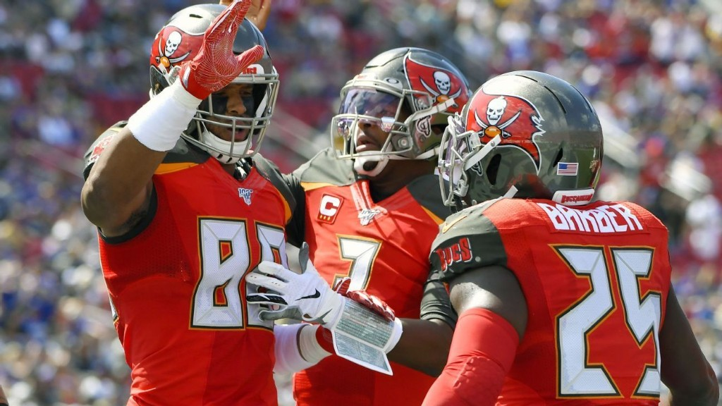 Buccaneers answer Bruce Arians' call to 'Finish,' put 55 on Rams