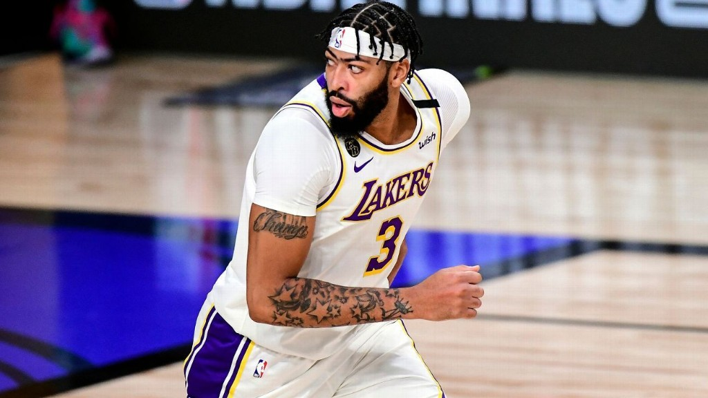 Sources: Los Angeles Lakers star Anthony Davis, eyeing bigger deal, declines option