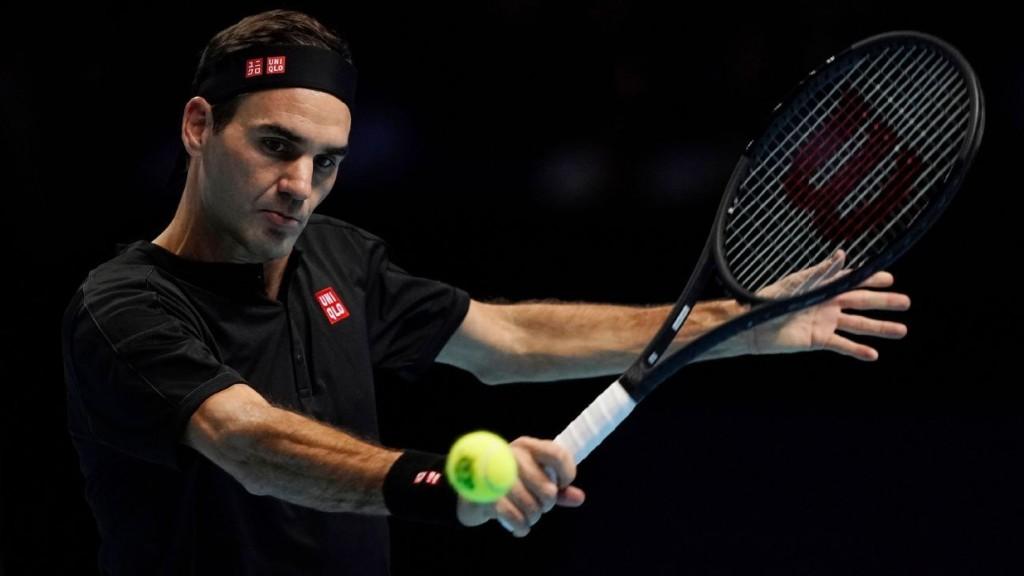 Federer offers solo drill, feedback on Twitter