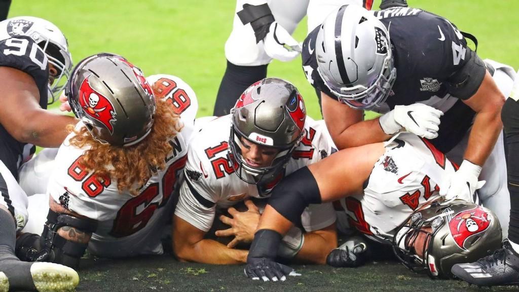 Bucs beat Raiders by 25 and look more like legitimate contenders each week