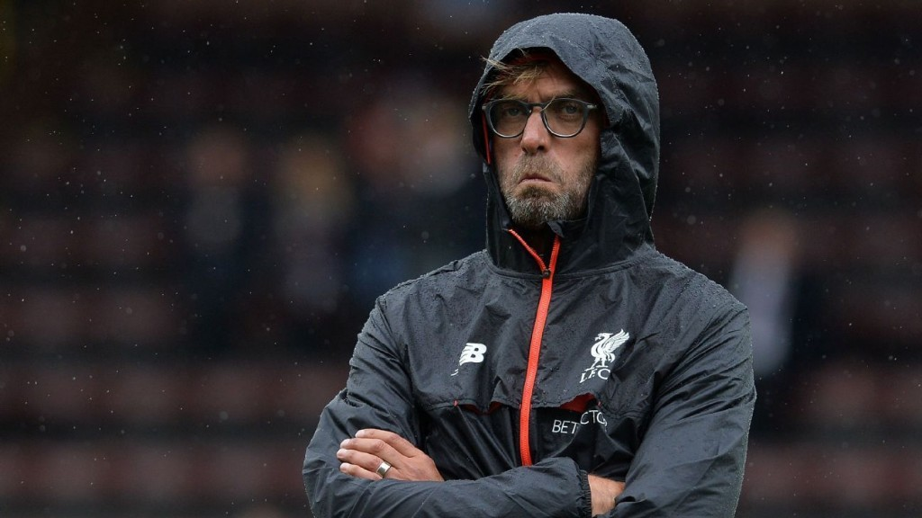 Carragher blasts Liverpool for coronavirus policy
