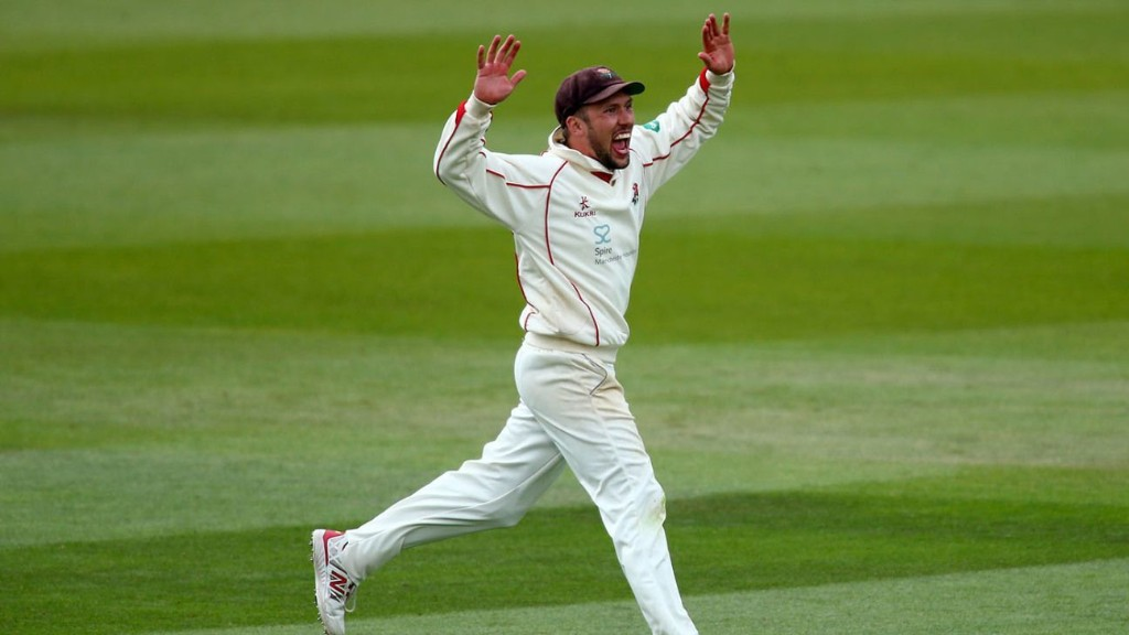 Simon Kerrigan signs for Northamptonshire, three years after last professional match