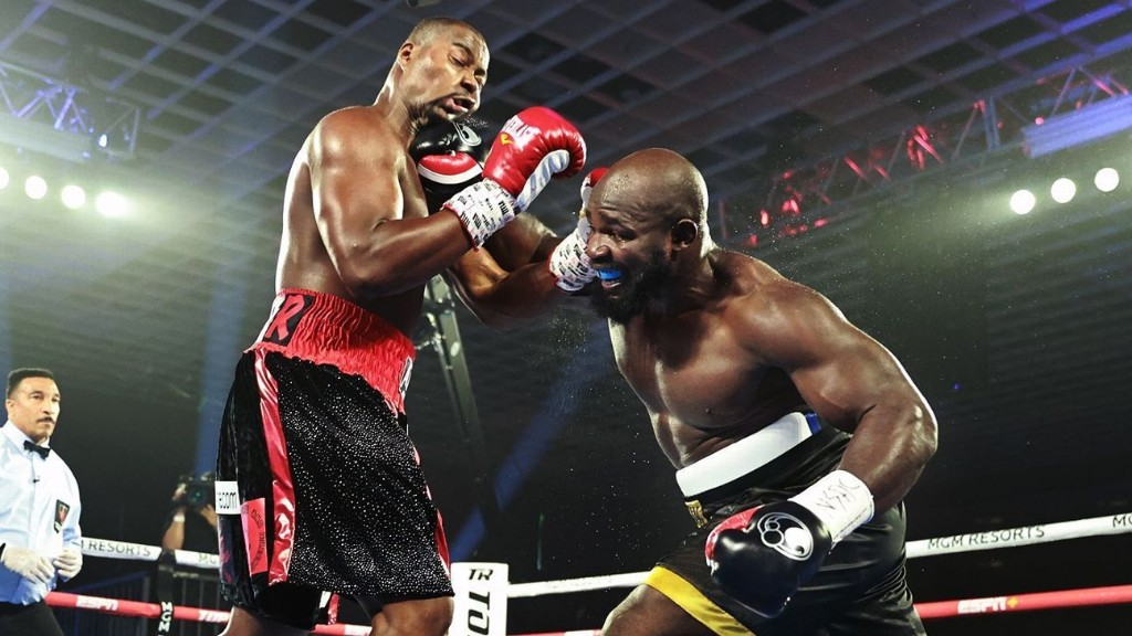Heavyweight contender Carlos Takam defeated Jerry Forrest by unanimous decision Thursday night in Las Vegas.