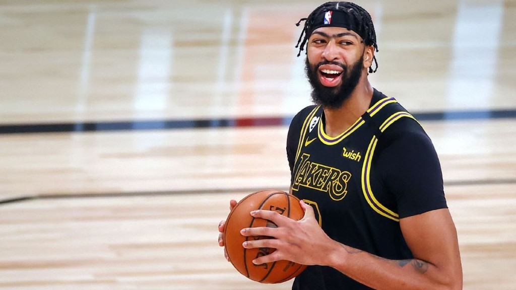 Anthony Davis agrees to five-year, $190 million maximum contract to stay with Los Angeles Lakers
