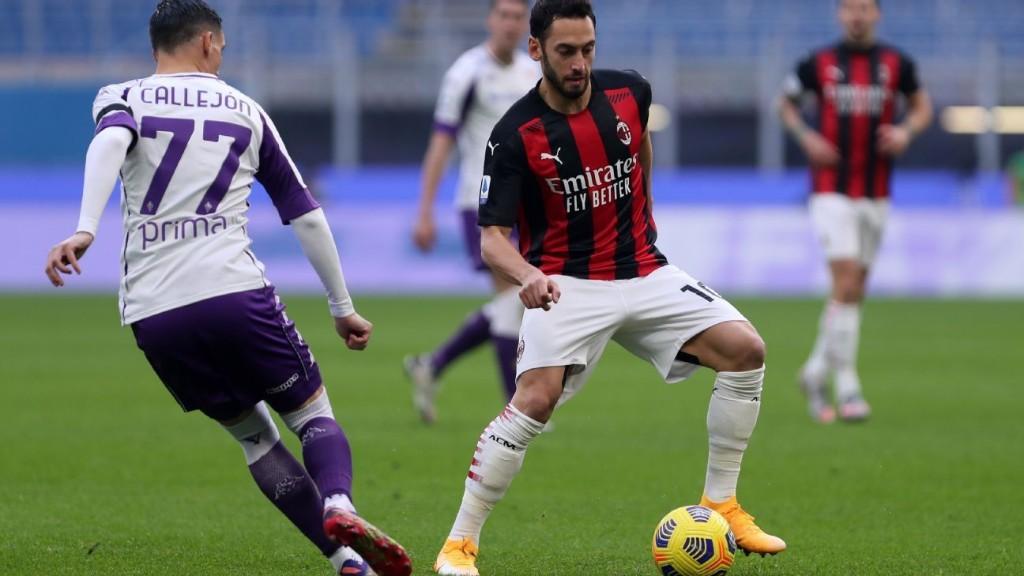 LIVE Transfer Talk: AC Milan's Calhanoglu nears move to Manchester United