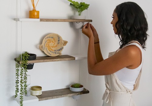 Stylish Minimalist Shelving From TheCraftySwirl