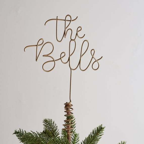 Family name wire tree topper