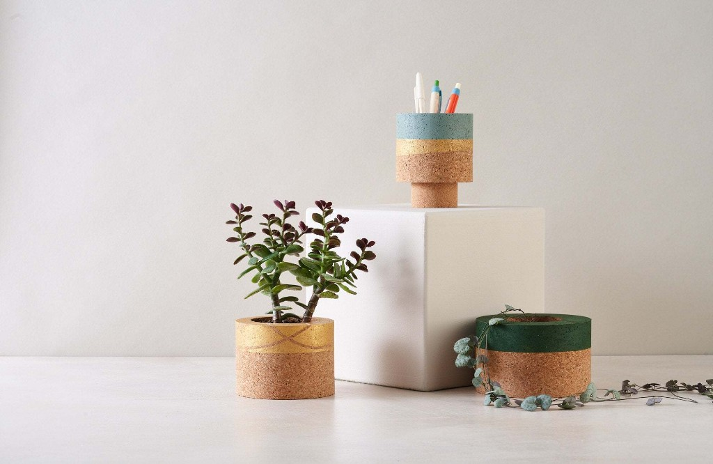 Gold cork planter