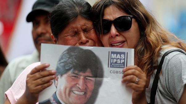 Meksika'nın iltica teklifini kabul eden Evo Morales Bolivya'dan ayrıldı