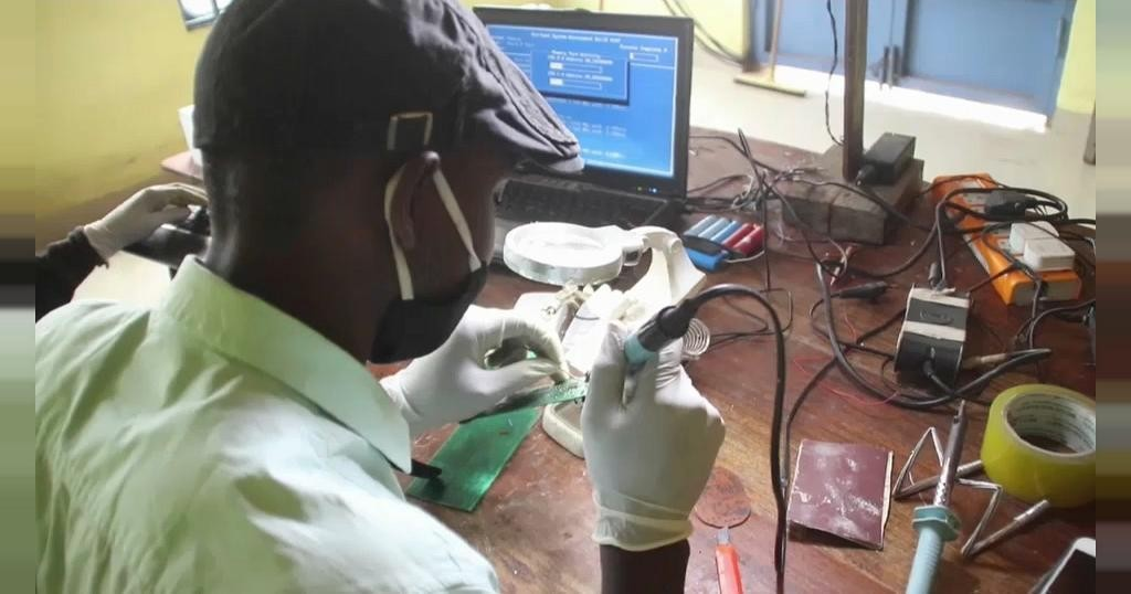 Entrepreneur invents first ever made in Congo rechargeable irons | Africanews