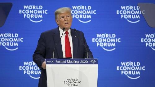 """Greta Thunberg à Davos : Donald Trump fustige les """"prédictions de l'Apocalypse"""""""