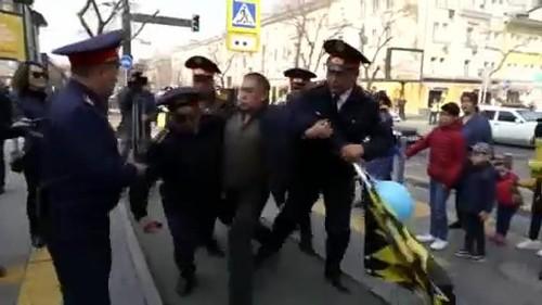 شاهد: حملة اعتقالات في كازاخستان تستهدف صفوف المتظاهرين
