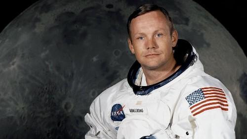 All'asta i cimeli di Neil Armstrong, c'è anche una sua tuta