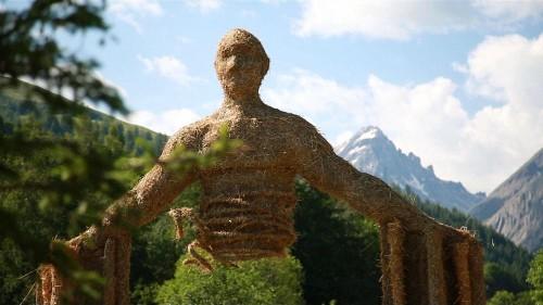 Lituânia premiada no Festival Internacional de Escultura em Palha