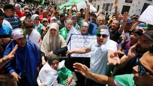 الجزائريون إلى الشارع مجددا في الجمعة الـ 16.. مواقف ثابتة وشعار واحد: إرحلوا جميعا